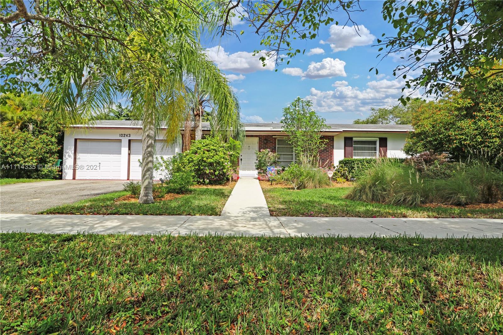 Single Family Home,For Sale,10243 SW 120th St, Miami, Florida 33176,Brickell,realty,broker,condos near me