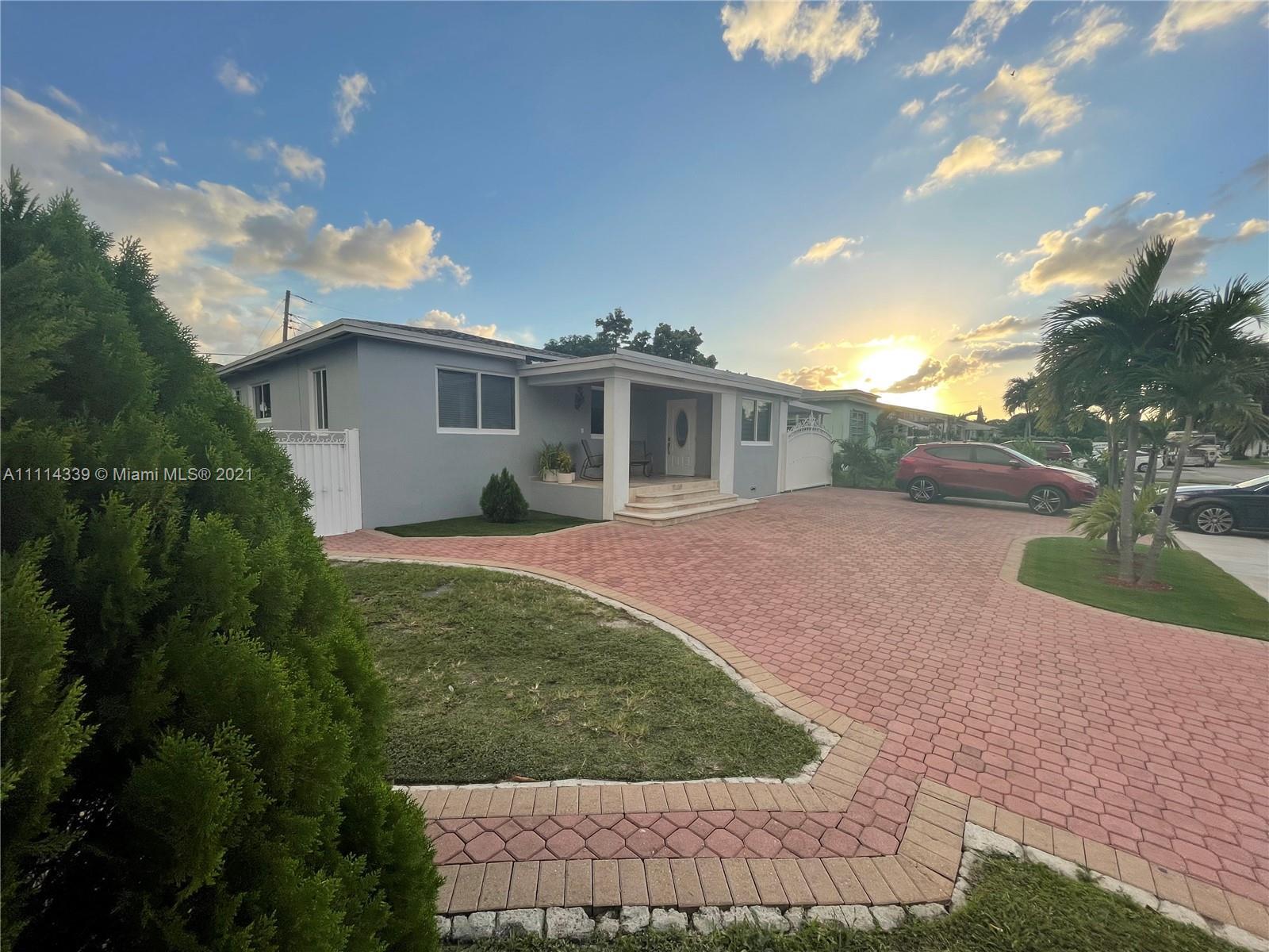 Single Family Home,For Sale,182 E 52nd Pl, Hialeah, Florida 33013,Brickell,realty,broker,condos near me