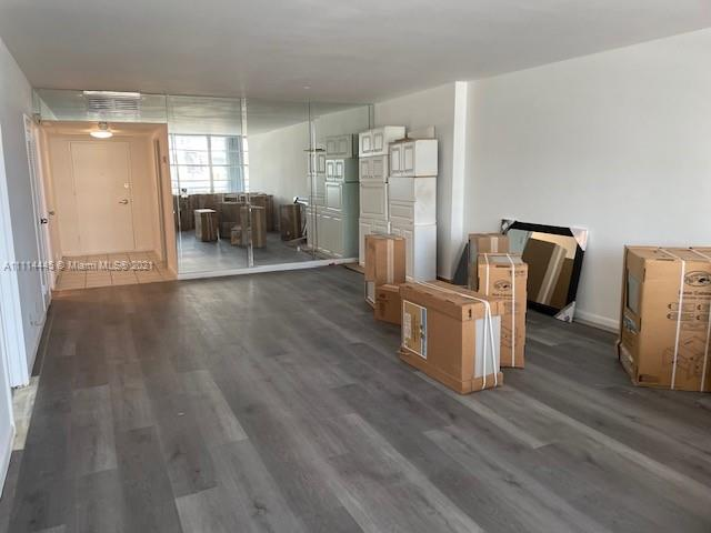 5700 Collins Ave #4N photo05