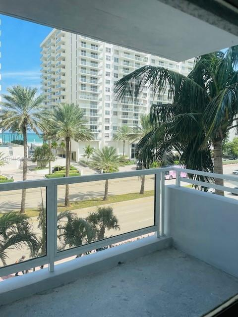 5700 Collins Ave #4N photo04