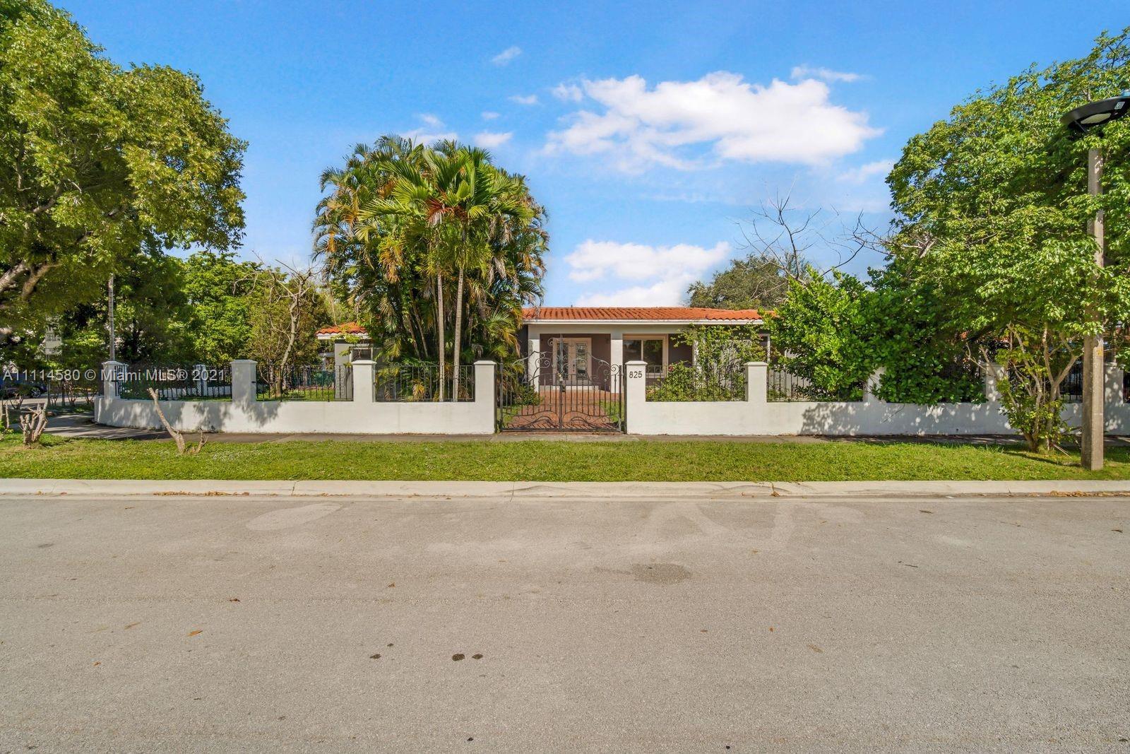 Single Family Home,For Sale,825 SW 28th Rd, Miami, Florida 33129,Brickell,realty,broker,condos near me