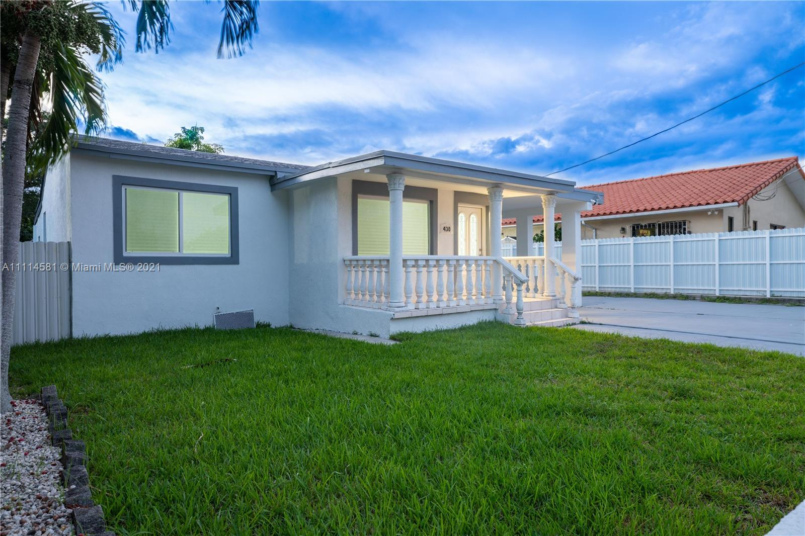Single Family Home For Sale FLAGLER GROVE ESTATES EXT1,638 Sqft