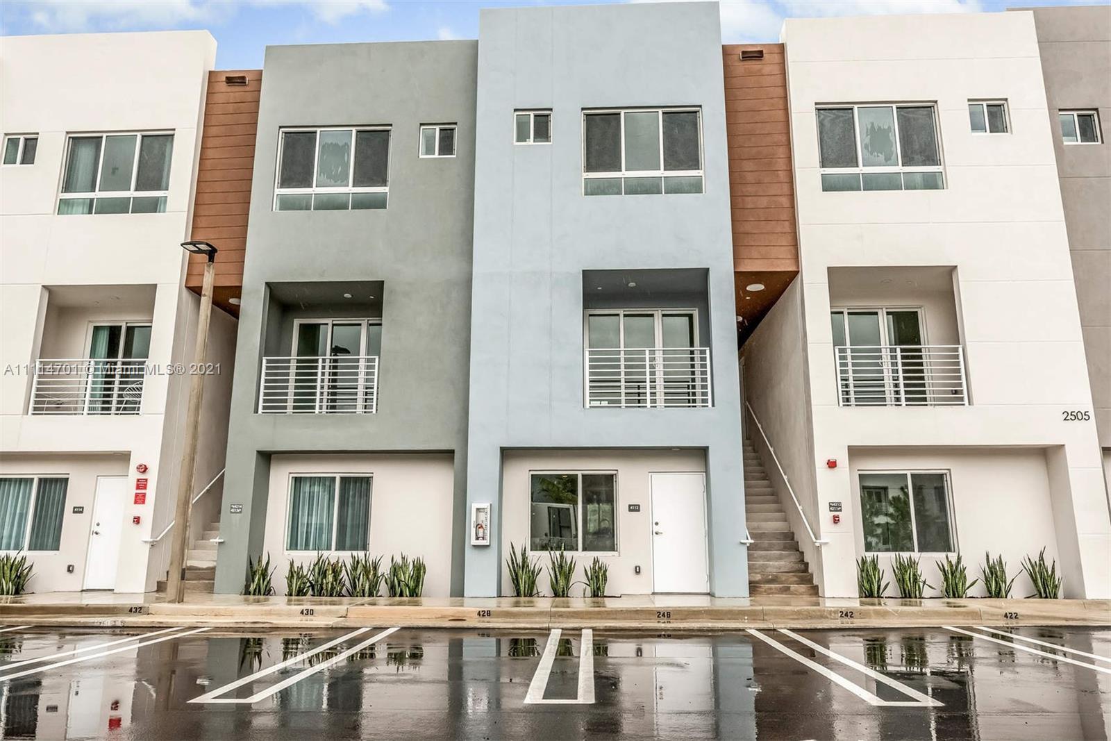 Condo For Rent at Aventura Village