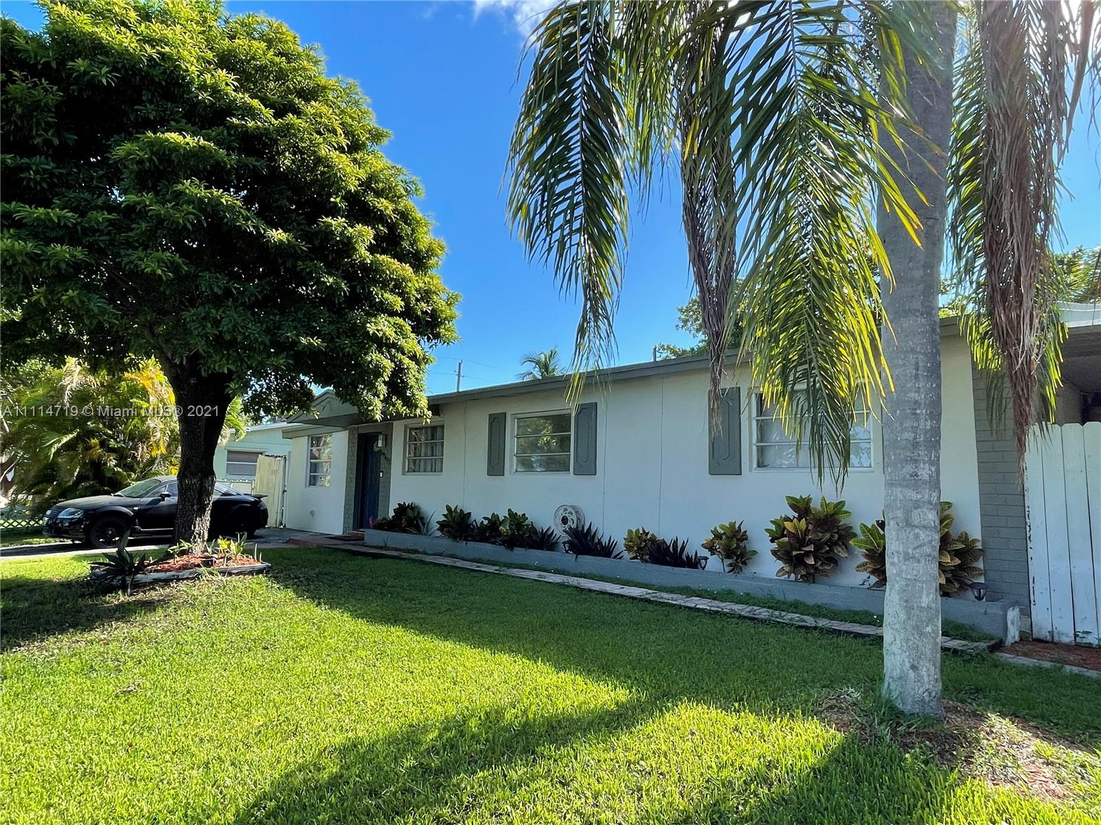 Single Family Home For Rent CUTLER RIDGE MANOR ESTATE2,378 Sqft