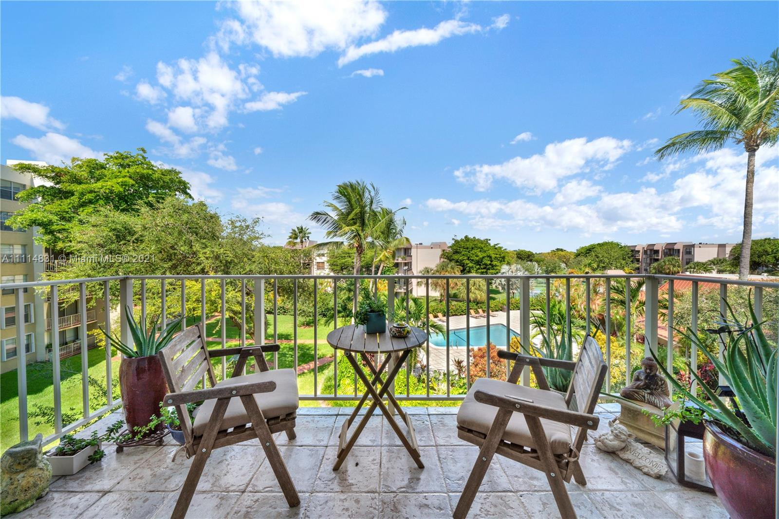 Condo For Sale at VILLAGE AT THE FALLS COND,Briarwinds