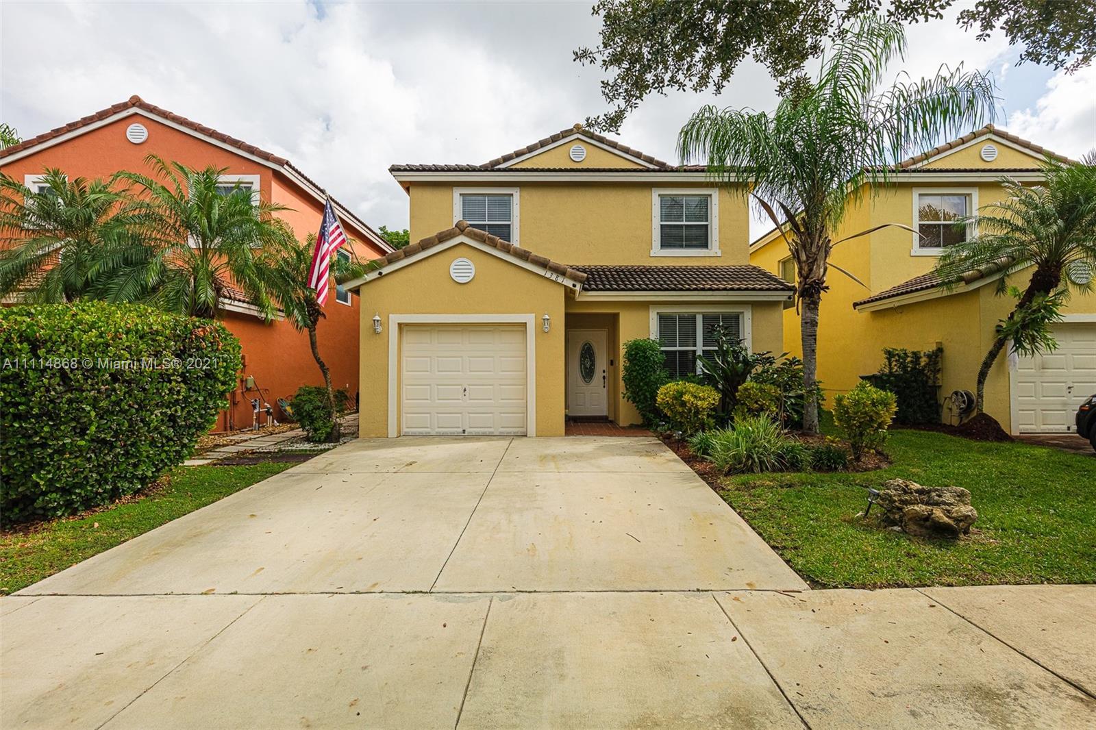 Single Family Home For Sale SHORES AT KEYS GATE1,693 Sqft