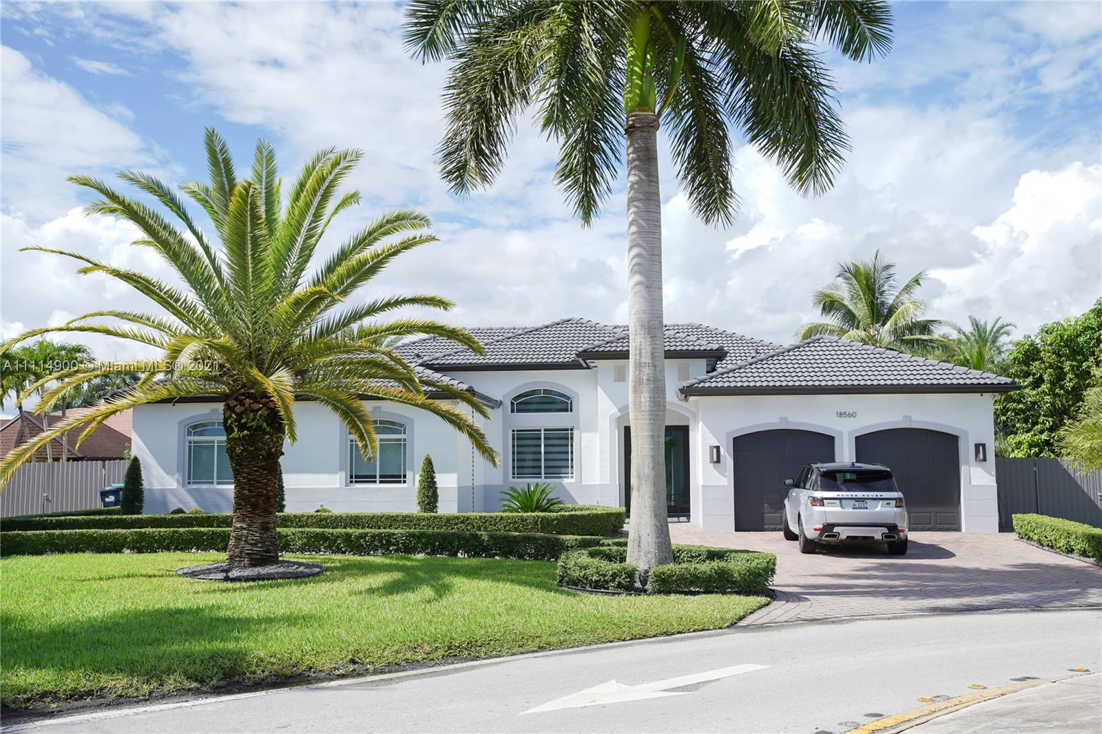 Single Family Home,For Sale,18560 SW 132nd Ave, Miami, Florida 33177,Brickell,realty,broker,condos near me