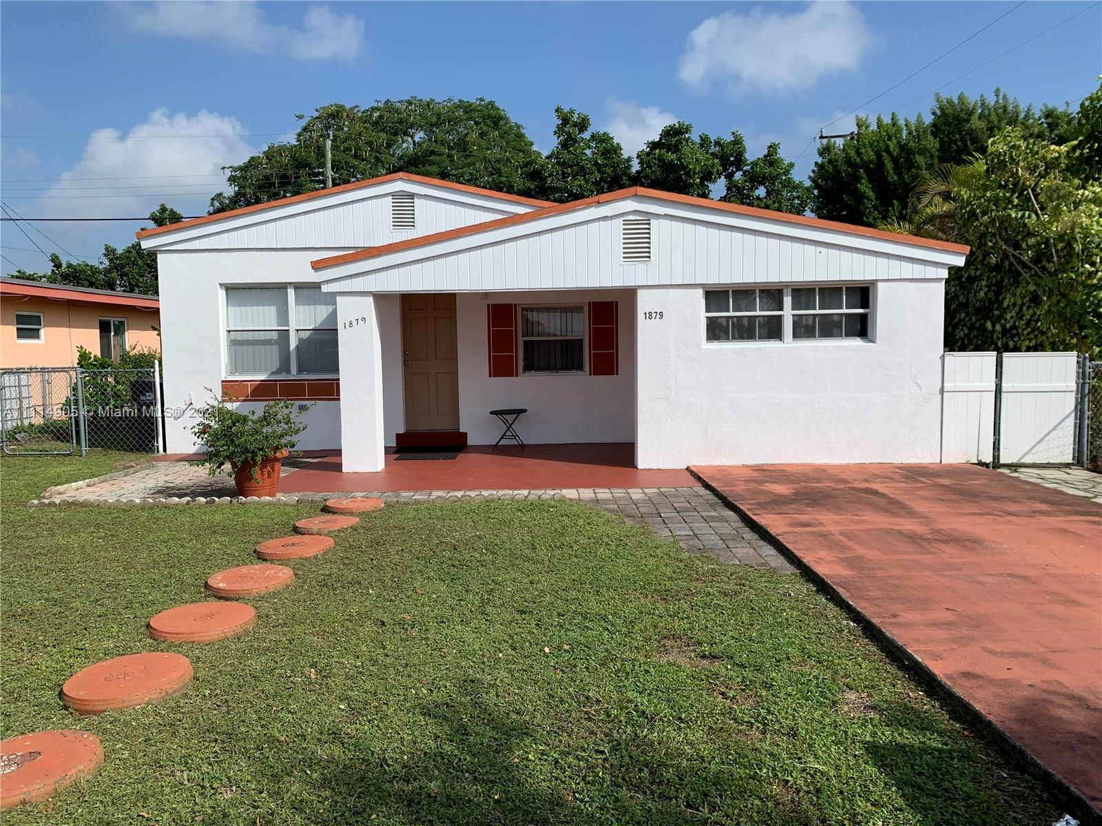 North Miami Beach - 1879 NE 181st St, North Miami Beach, FL 33162