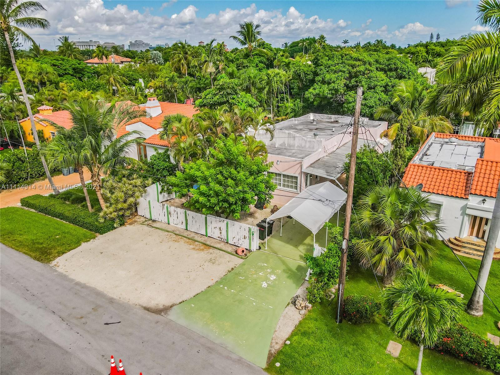 Single Family Home,For Sale,521 W 30th St, Miami Beach, Florida 33140,Brickell,realty,broker,condos near me