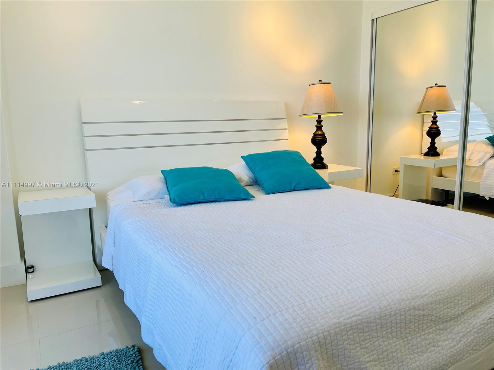 5555 Collins Ave #14G photo016