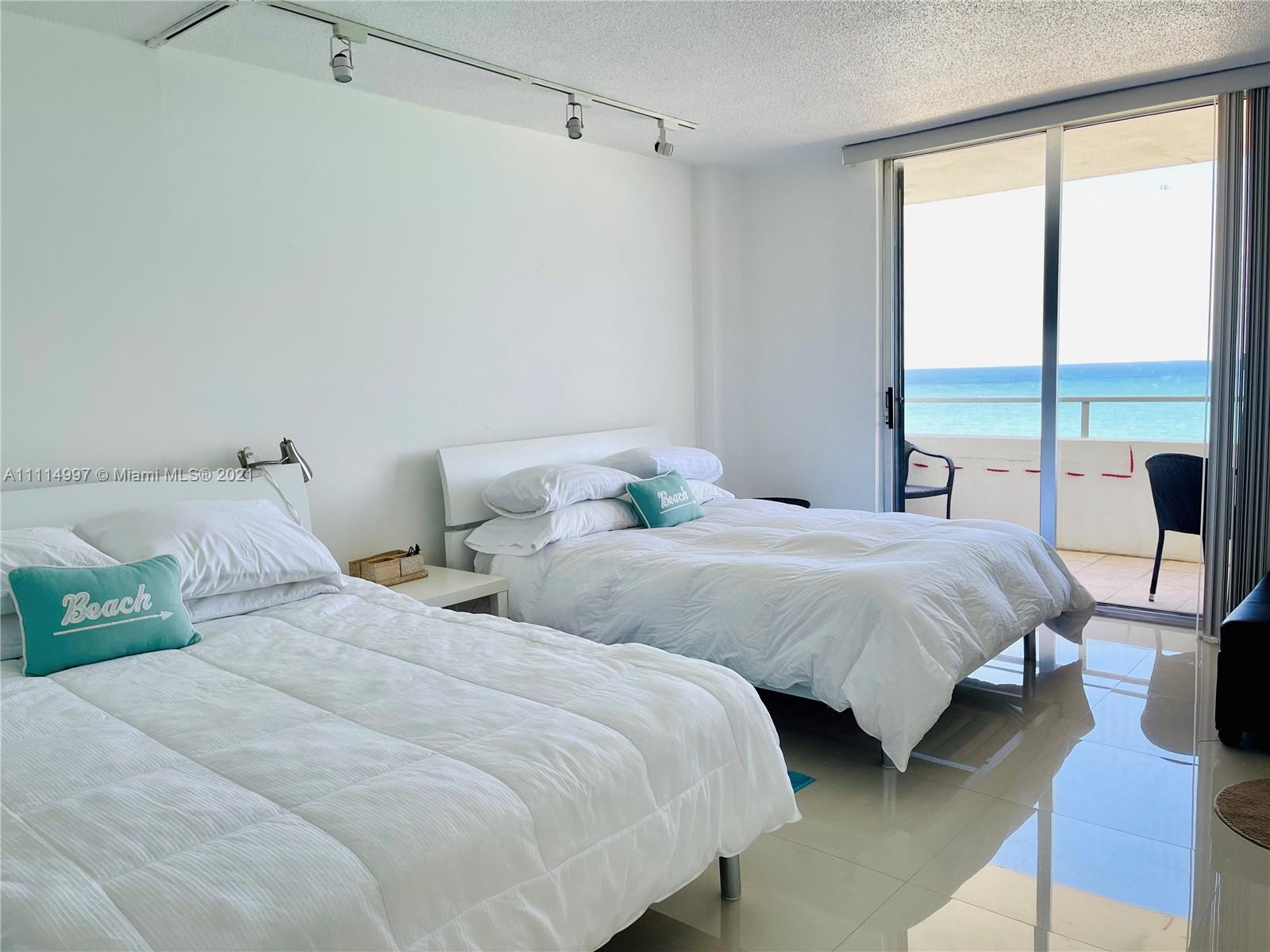 5555 Collins Ave #14G photo012