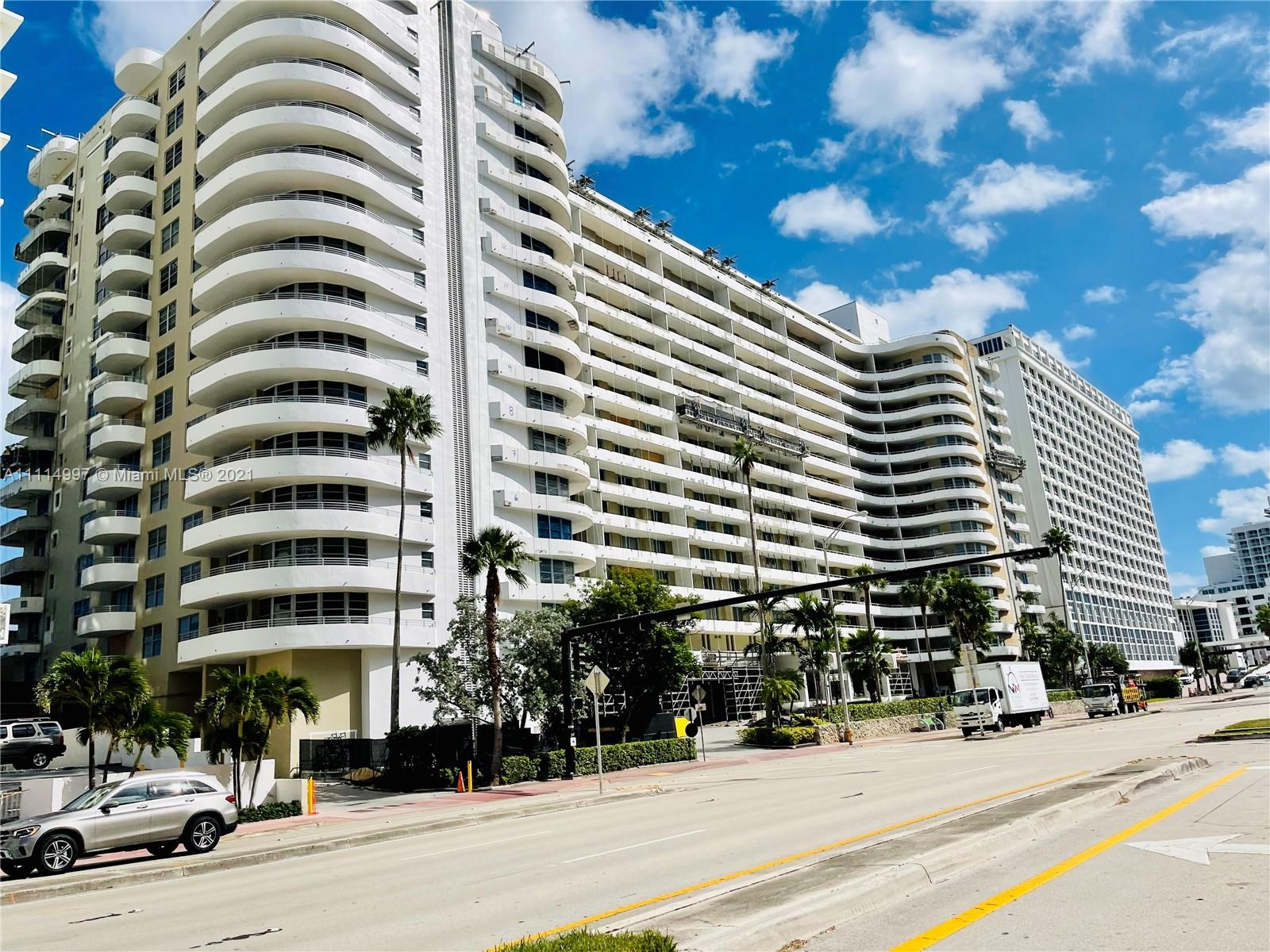 5555 Collins Ave #14G photo030