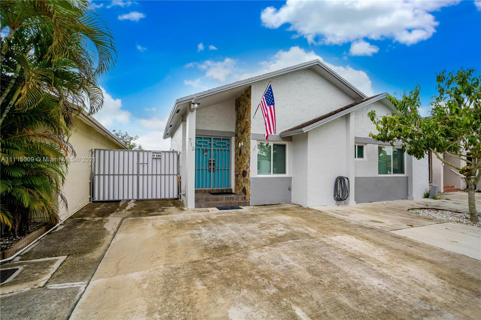 Single Family Home For Sale LES CHALETS II1,420 Sqft