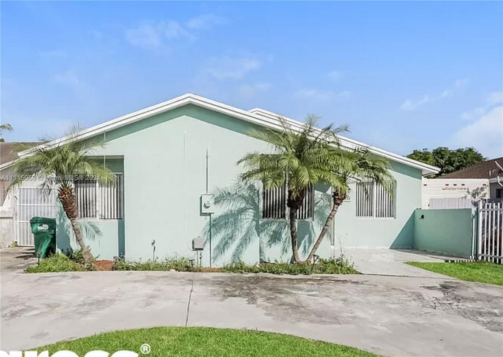 Single Family Home For Rent LIME GROVE ESTATES SEC 21,595 Sqft