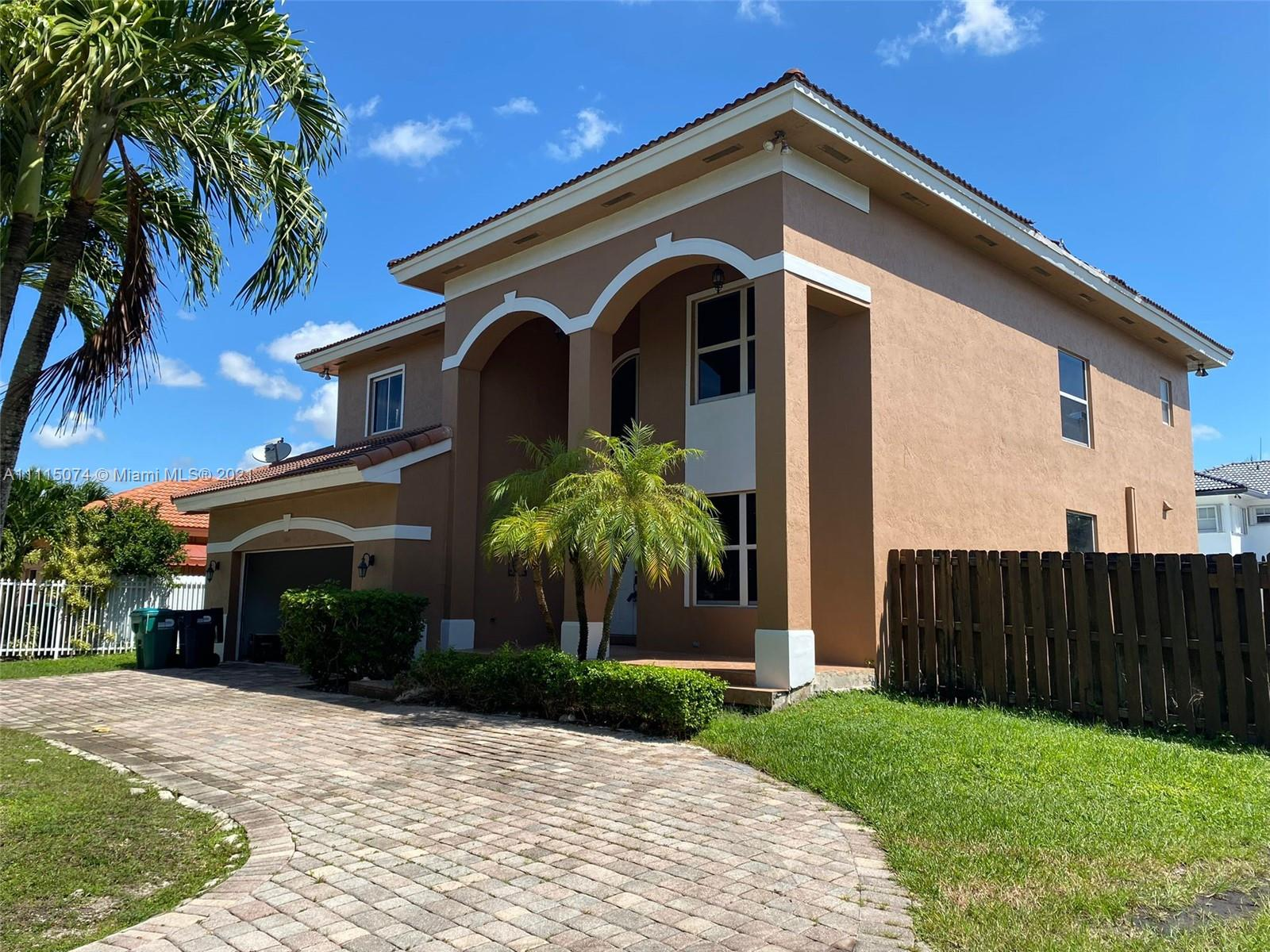 Single Family Home,For Rent,4605 SW 159th Ct, Miami, Florida 33185,Brickell,realty,broker,condos near me
