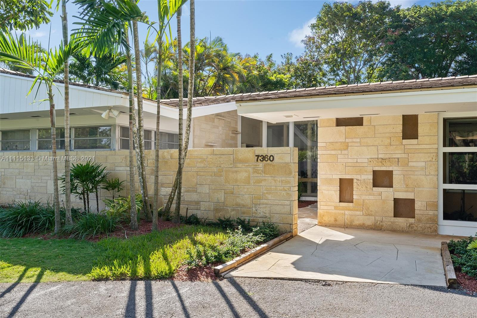 Single Family Home,For Sale,7360 SW 133rd Ter, Pinecrest, Florida 33156,Brickell,realty,broker,condos near me