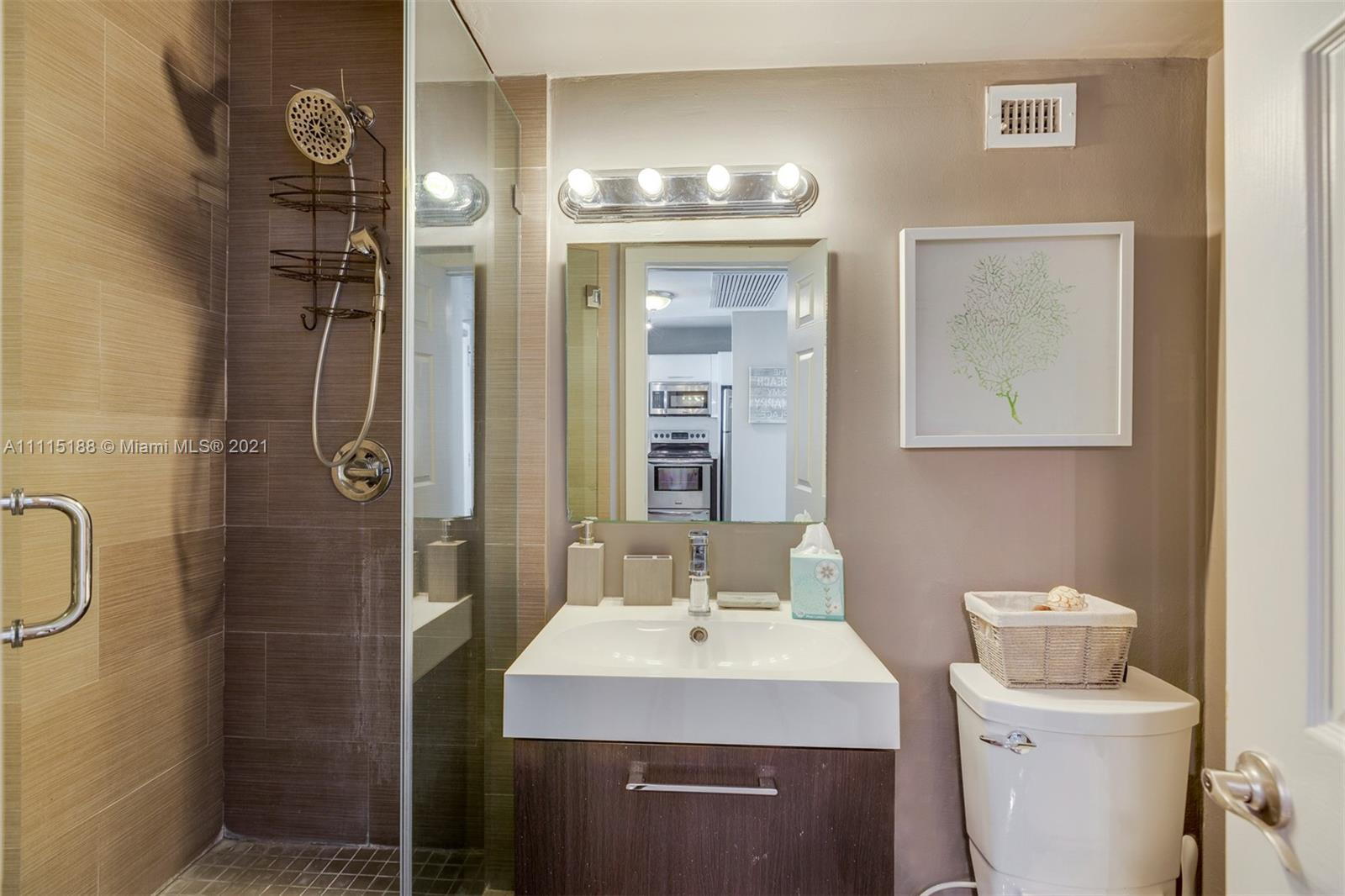 5601 Collins Ave #1509 photo023