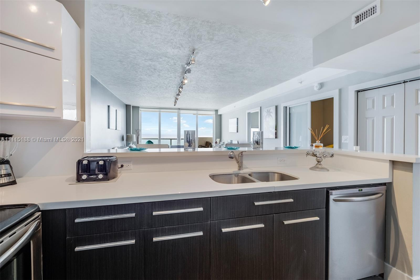 5601 Collins Ave #1509 photo020