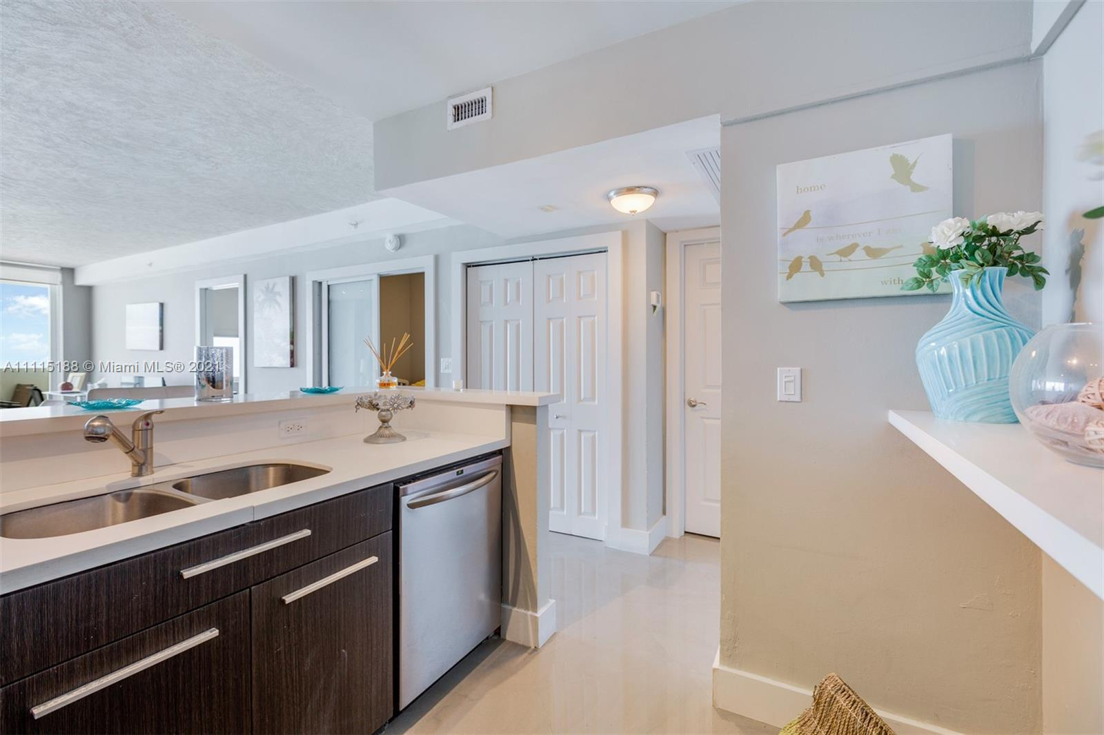 5601 Collins Ave #1509 photo019