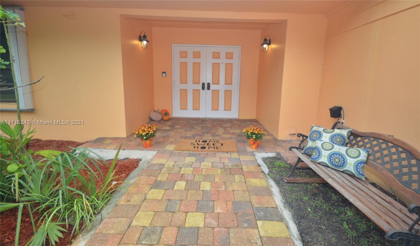 Single Family Home For Sale MIAMI LAKES EAGLE NEST SE,Eagle Nest1,989