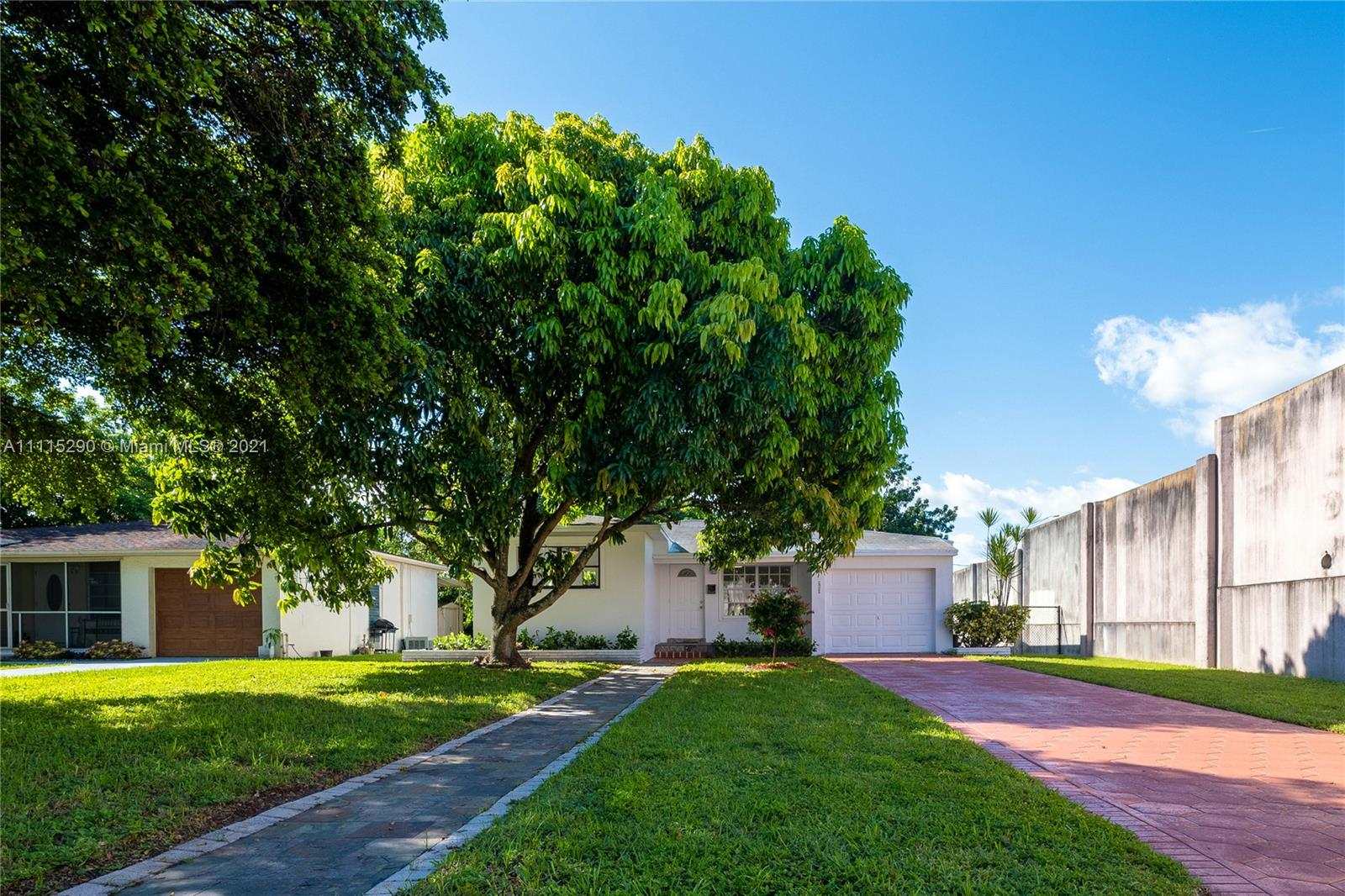 Hollywood Little Ranches - 2926 Monroe St, Hollywood, FL 33020