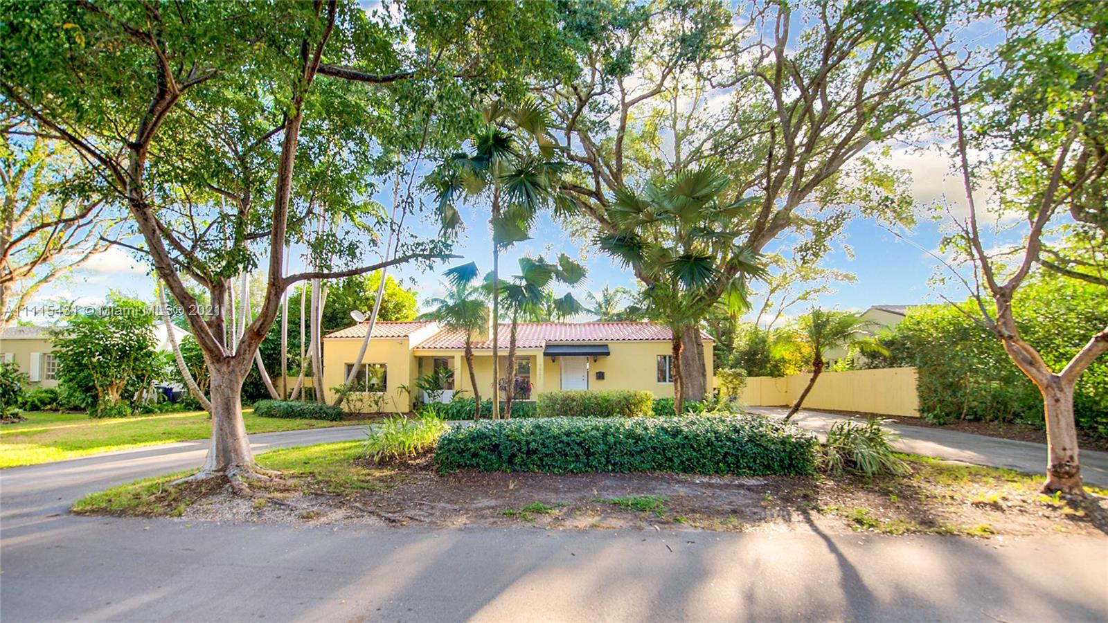Single Family Home,For Sale,7531 SW 52 Ct, Miami, Florida 33143,Brickell,realty,broker,condos near me