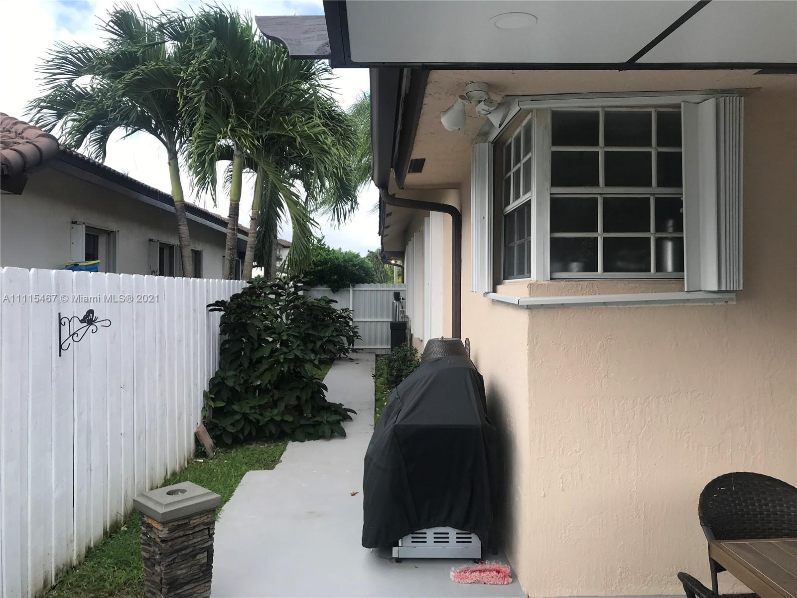 15374 SW 113th Ter photo035