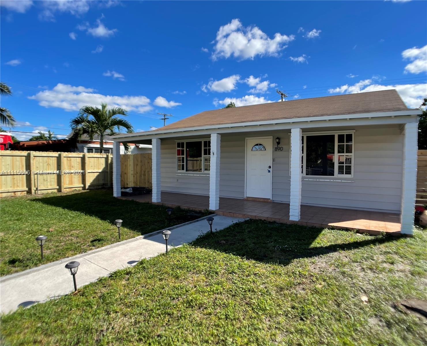 Single Family Home For Sale 2ND ADDN ESSEX VILLAGE902 Sqft