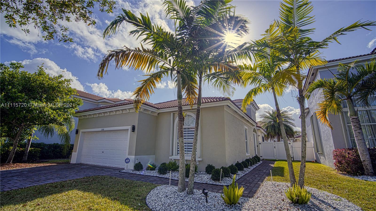 Single Family Home For Rent PORTOFINO OAKS1,450 Sqft