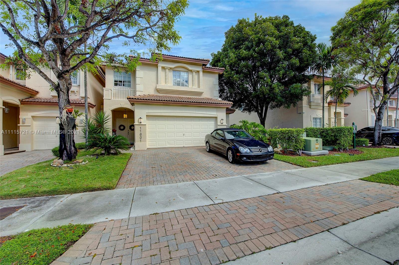 Single Family Home,For Sale,11601 NW 68th Ter, Doral, Florida 33178,Brickell,realty,broker,condos near me