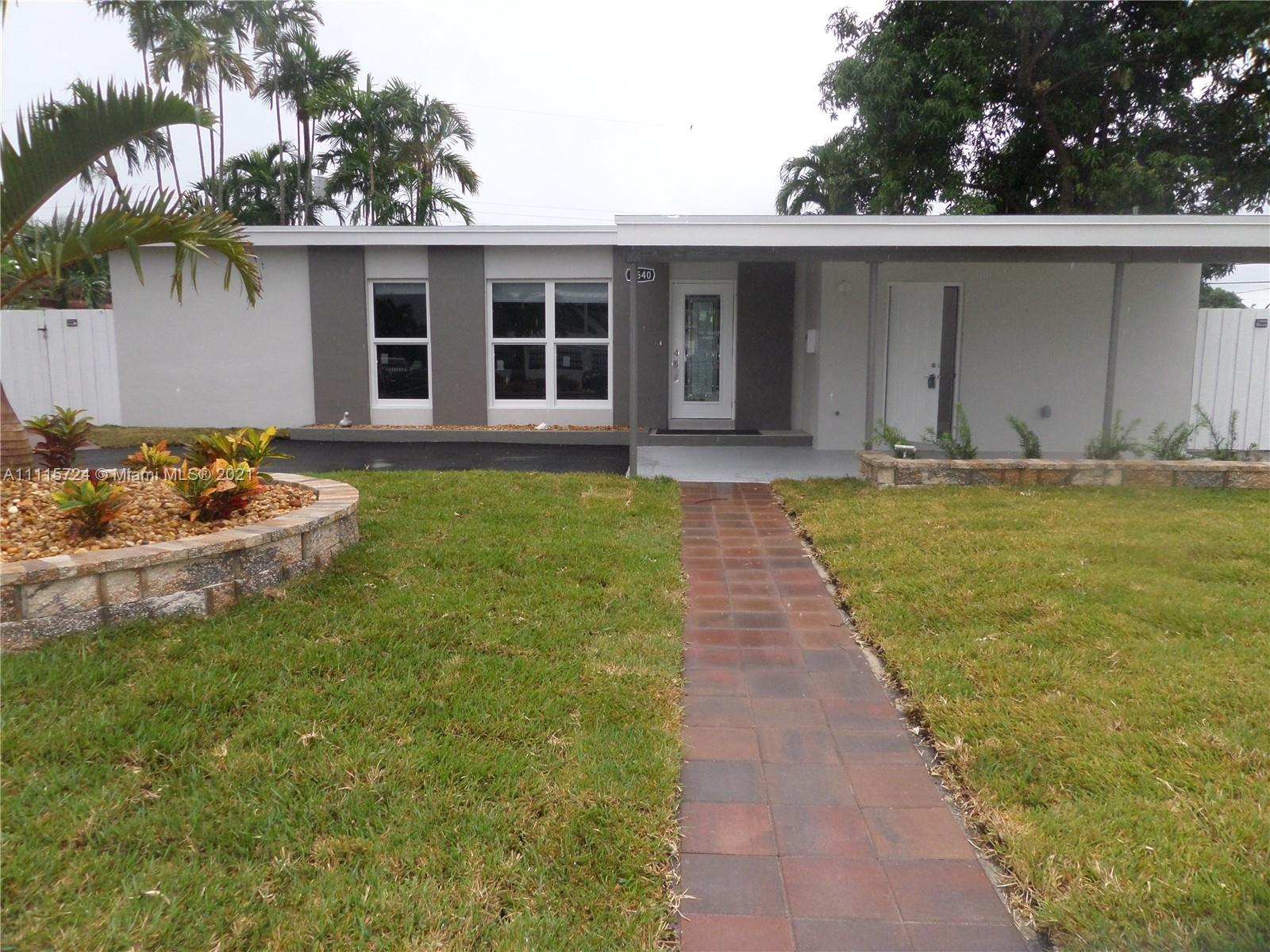Single Family Home,For Rent,6540 W 11th Ave, Hialeah, Florida 33012,Brickell,realty,broker,condos near me