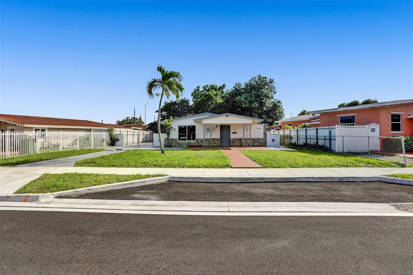 Single Family Home,For Sale,690 SE 3rd Pl, Hialeah, Florida 33010,Brickell,realty,broker,condos near me