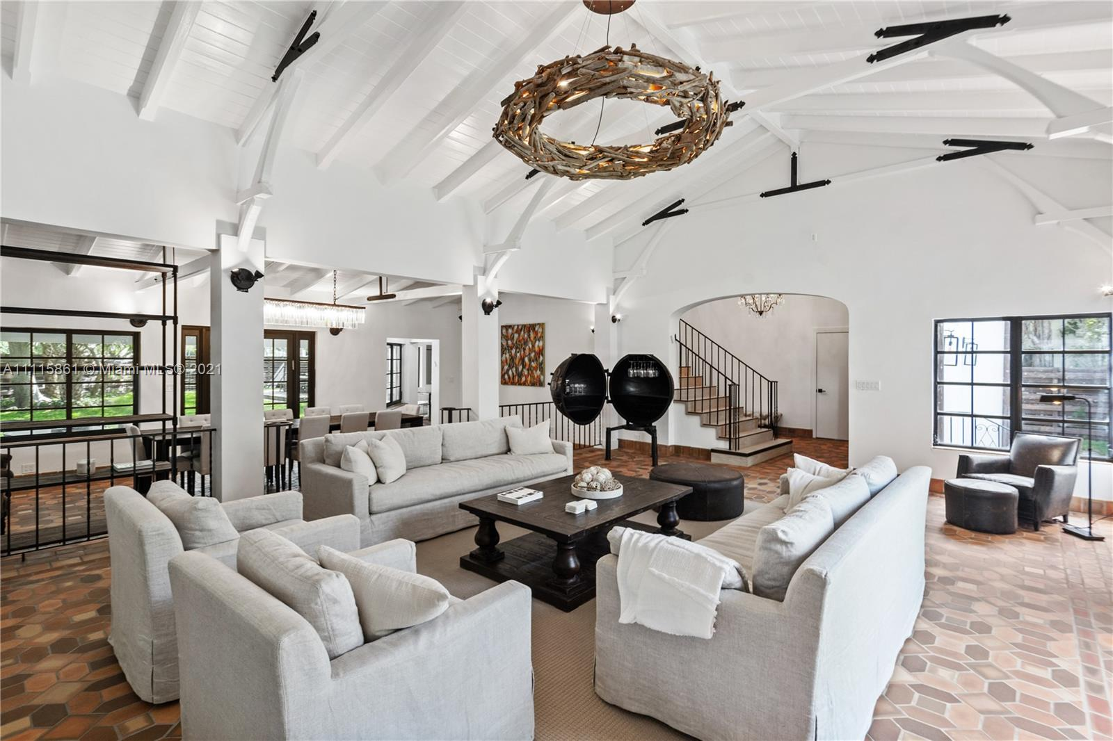 Single Family Home,For Rent,2655 Pine Tree Dr, Miami Beach, Florida 33140,Brickell,realty,broker,condos near me