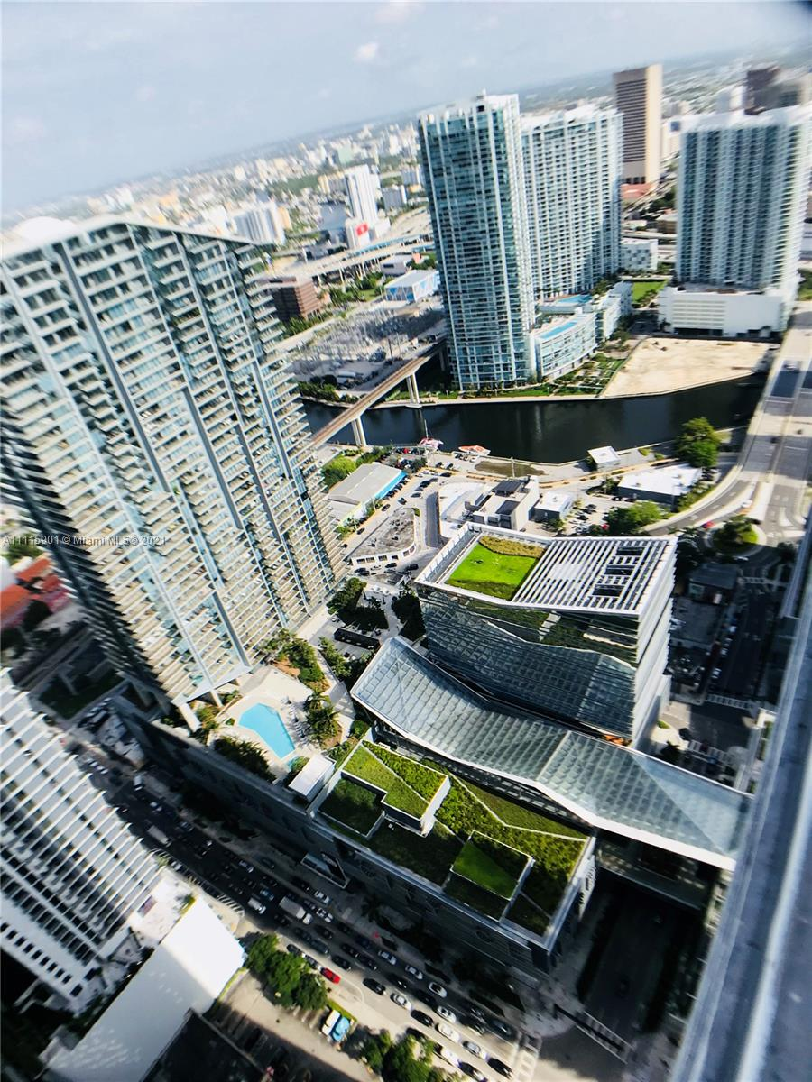 SLS LUX,RELATED Condo,For Rent,SLS LUX,RELATED Brickell,realty,broker,condos near me