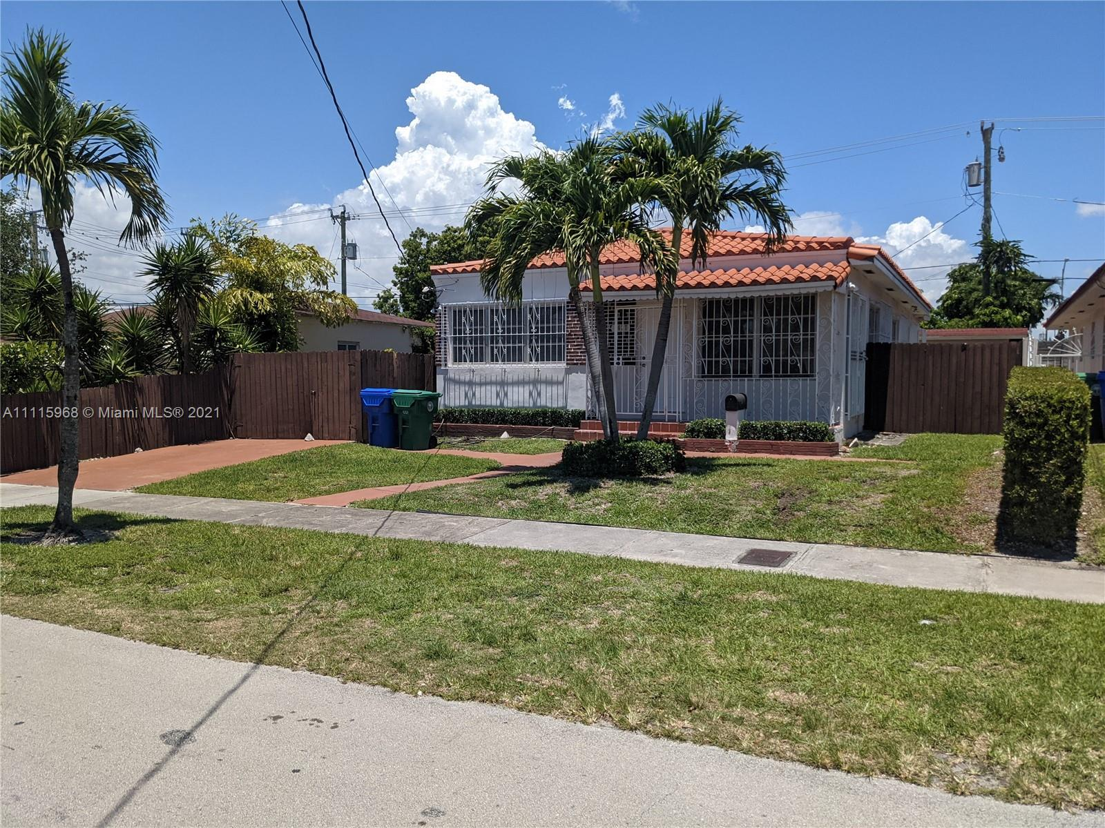 Single Family Home,For Rent,4637 SW 1st St, Miami, Florida 33134,Brickell,realty,broker,condos near me