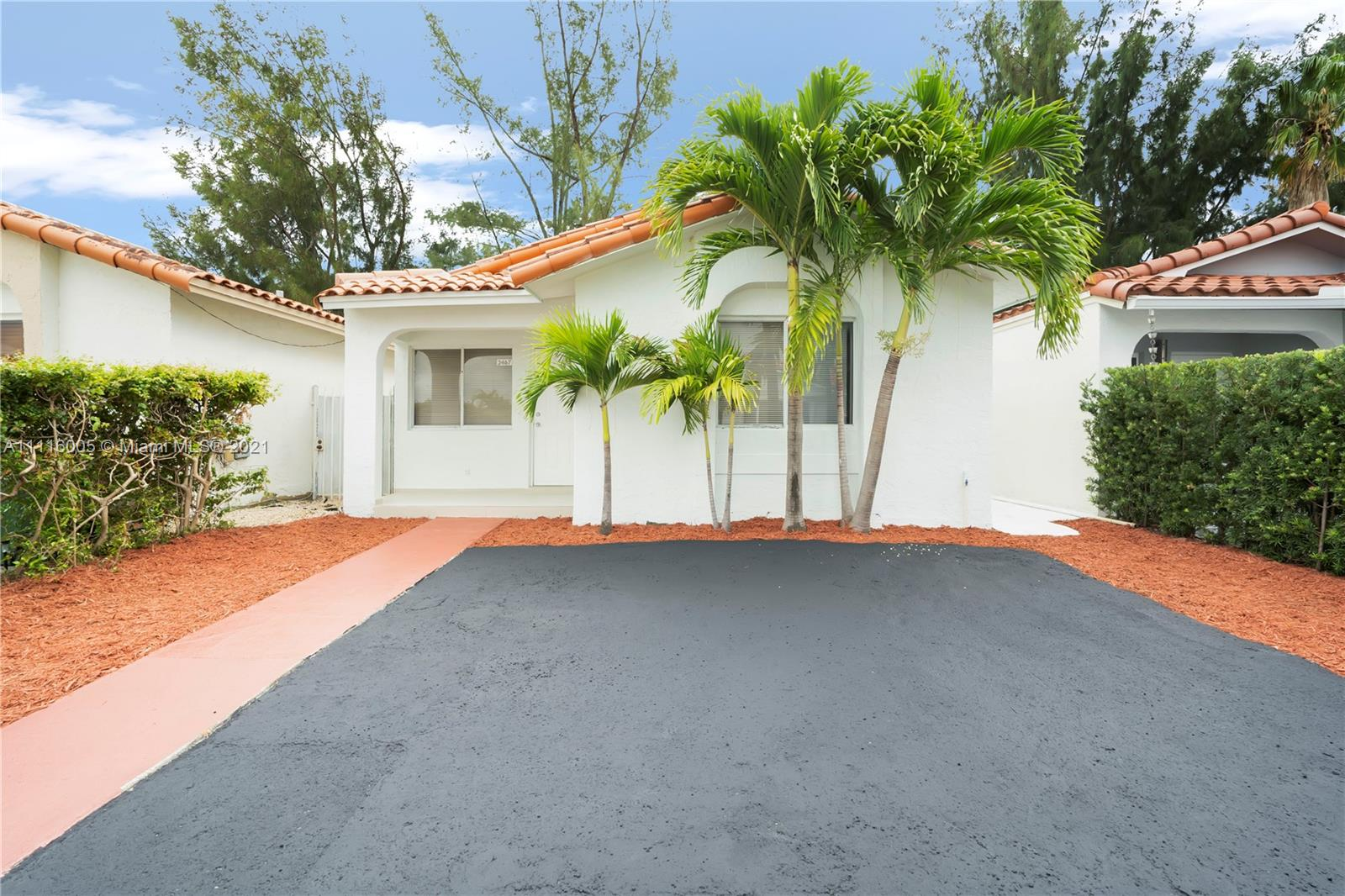 Single Family Home,For Sale,2467 W 65th St, Hialeah, Florida 33016,Brickell,realty,broker,condos near me