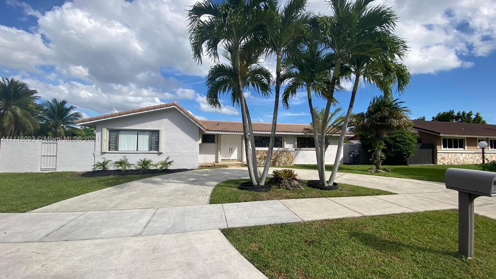 Single Family Home,For Rent,5205 SW 102nd Pl, Miami, Florida 33165,Brickell,realty,broker,condos near me