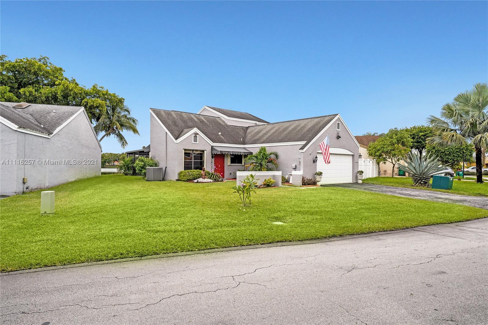 Single Family Home,For Sale,19038 NW 80th Ct, Hialeah, Florida 33015,Brickell,realty,broker,condos near me