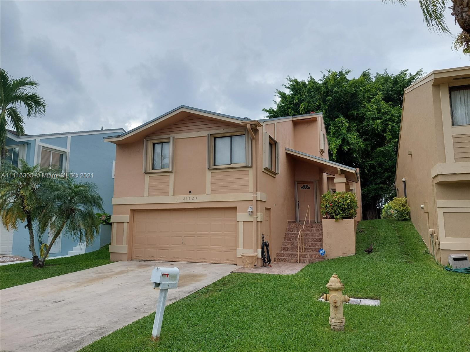 Single Family Home,For Sale,21624 SW 98th Pl, Cutler Bay, Florida 33190,Brickell,realty,broker,condos near me