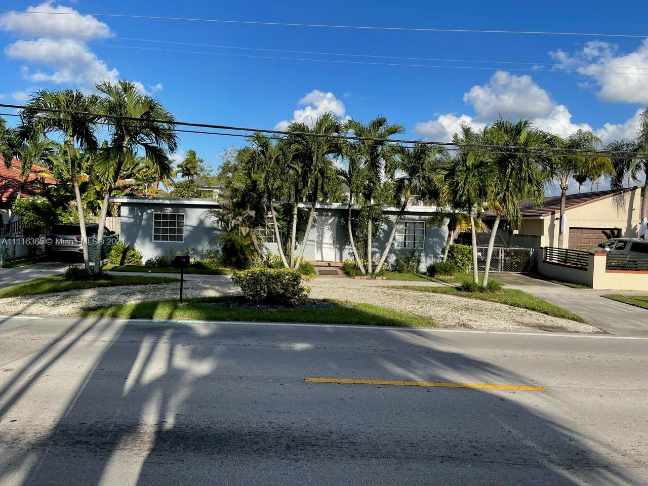 Single Family Home,For Sale,2715 SW 102nd Ave, Miami, Florida 33165,Brickell,realty,broker,condos near me