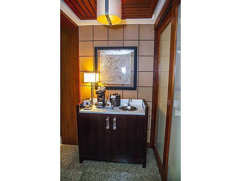 Ritz Carlton Bal Harbour #1011 - 02 - photo