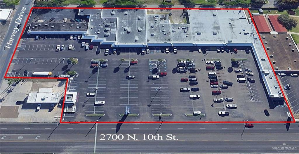 Colonial Village is a neighborhood shopping center with approximately 23 suites plus a warehouse space.  The shopping center is centrally-located with a great N. 10th St. location, ample well-lit parking lot, 10th St. sign marquee, great tenant mix, long term well-established businesses.