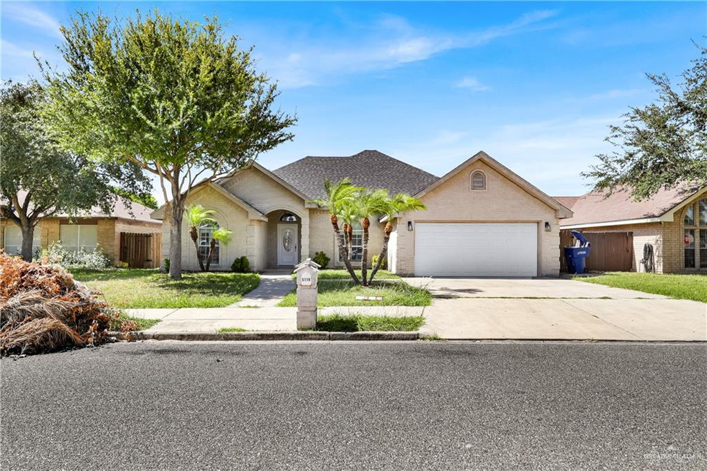 Location location in North of McAllen, this subdivision of Kingwood Estates ready to move in. This beautiful home is close to everything, shopping centers, restaurants, schools and very nice and quiet neighborhood. A large backyard lot on which you can build a pool or playground for your love ones. Don't miss this opportunity. Call me for private an showing