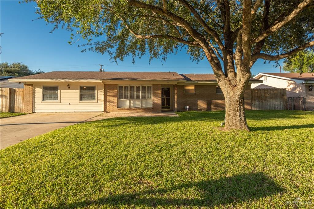 Located centrally in Mcallen, this recently remodeled home boasts 4 bedrooms, 3 bathrooms with over 1900-/+ Sqft. With new flooring throughout the home, updated wiring, new ductwork, and new AC units this home is picture perfect.