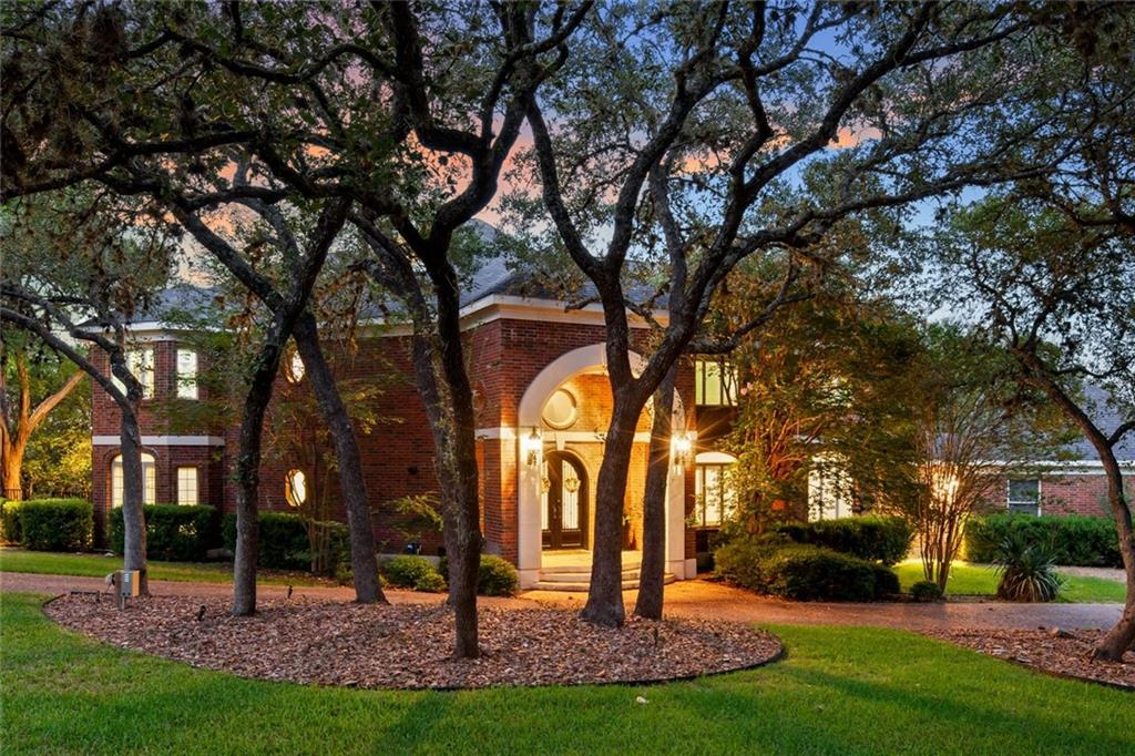 "Stunning home in The Ridge of Willow Creek, totally remodeled in 2016 include a stunning kitchen with marble counter tops, brick backsplash and around slider wall in breakfast area, huge island, built-in 42"" Kitchen aid Ref w-drawer freezer, under counter fridge, double 30"" wall ovens, 30""warming drawer-slow cooker, 36"" gas cooktop; engineered wood floors, marble floors in baths, master bed and bath downstairs; 4 bedrooms-2 baths on 2nd floor; 3rd floor bonus room or bedroom; 4 HVAC units; AMAZING heated pool; outdoor kitchen; 3 car, over-sized garage with storage in attic; large laundry room; tons of storage in home and under stairs; laundry shoot from bathroom upstairs to laundry room; secluded street, circle driveway - home at end cul-de-sac; and VIEWS - VIEWS!!"