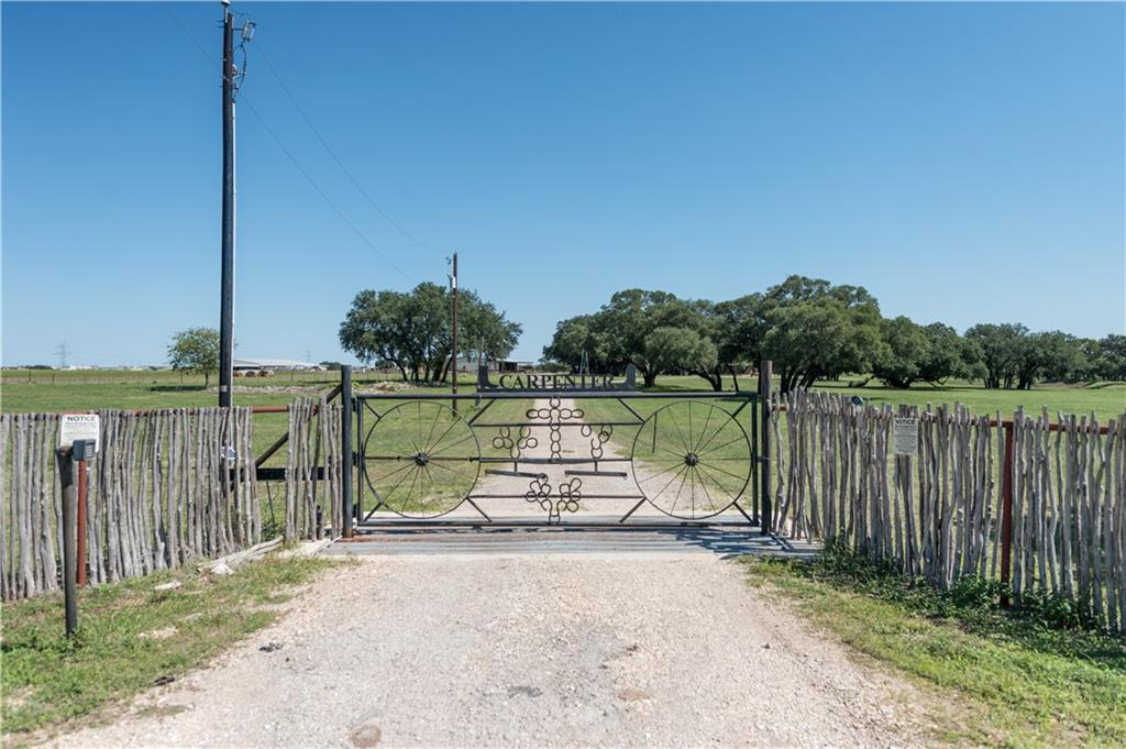 DREAM PROPERTY IN SOUGHT AFTER HISTORIC SALADO TEXAS!