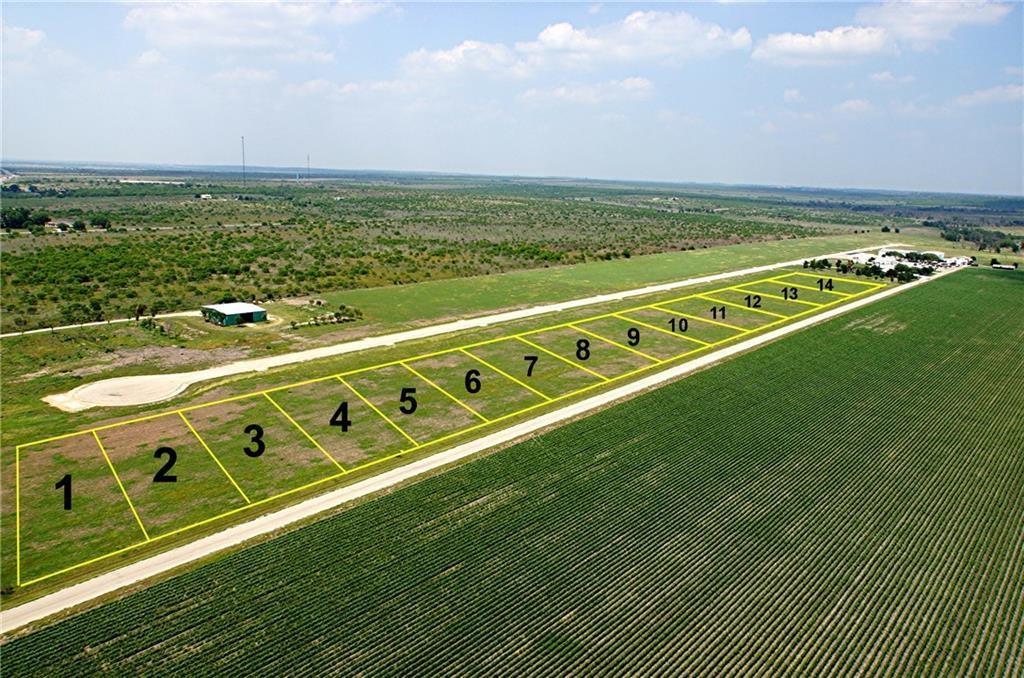 110 Airfield RD, Fentress, TX 78622
