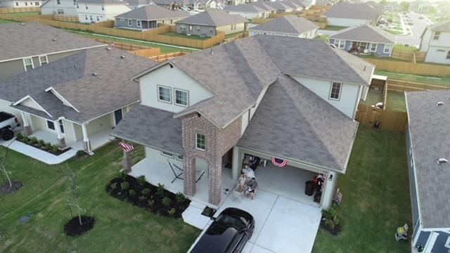 Beautiful 4 bedroom floor plan with additional office space that can be used as a bedroom. Master main and additional bedrooms upstairs. Open floor plan, big porch and Intex Pool ready for family and friends gatherings! Excellent location Close to 1- 30 and 685,  minutes to Pflugerville and Round Rock.