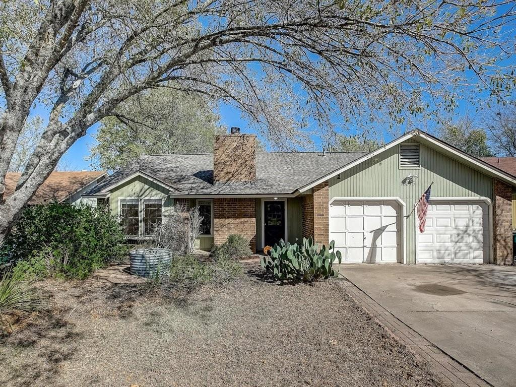 Well maintained one story home in the beautiful community of Windermere! Walk through the front door to see an open concept living space with high ceilings and a brick fireplace that creates a relaxing ambiance throughout the home. The kitchen has an abundance of storage, a breakfast bar, tile counters, and recessed lighting. Large dining space with natural light throughout! Owner's suite w/ full bath and a walk-in closet. Bonus sunken room can be closed off to create a theater room effect plus a wet bar to keep everyone entertained! Retreat to the peaceful private backyard with a covered patio and mature trees. Perfect location — walking distance to park, pool, farm with goats and eggs, long trail, and more! Easy access to I35