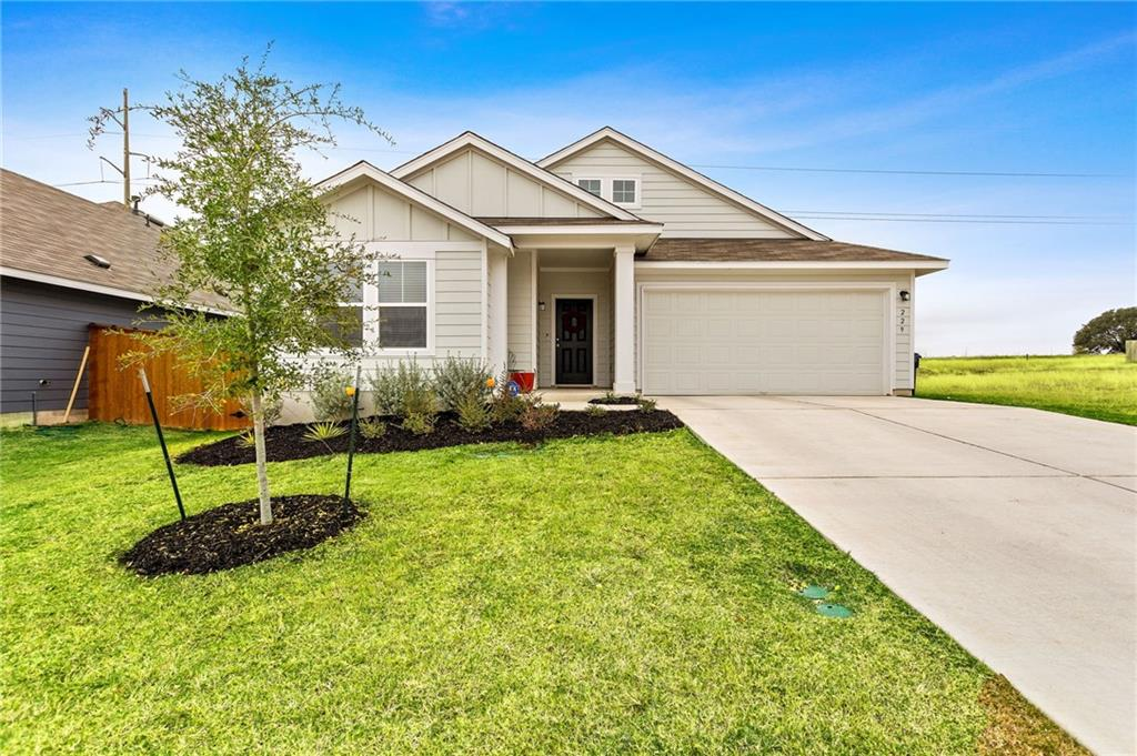 Nearly New 3/2 home in Orchard Ridge is primed and ready for new owners! Beautiful, crisp, & clean with over 1600 square feet of living space! Orchard Ridge community offers pool, fitness center, community gardens, sidewalk-lined streets and much more.  Minutes into Georgetown on 29 E, or easy jump into into Austin via 183!